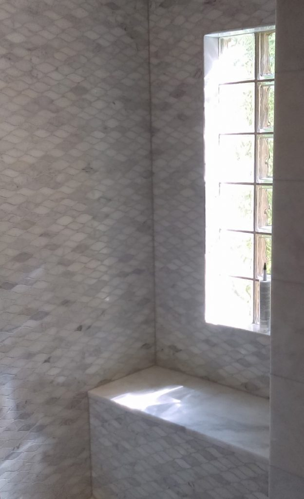 stone wave mosaic shower seat