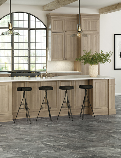 Defend™ – Marble Look Glamour in kitchen with island and 4 barstools